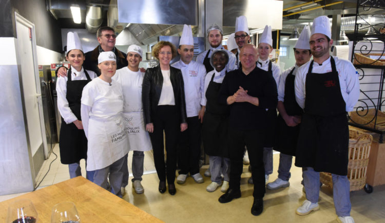 Cuisine mode d 39 emploi s for Cuisine mode d emploi